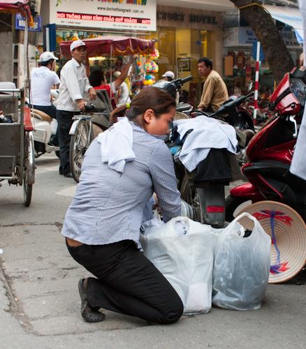 Momentka z hanojských ulíc
