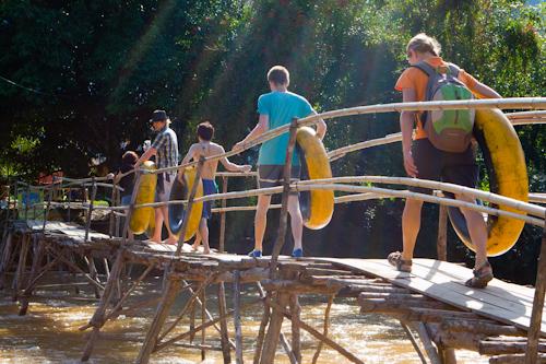 Štart tubingu na rieke Nam Song (Vang Vieng, Laos)